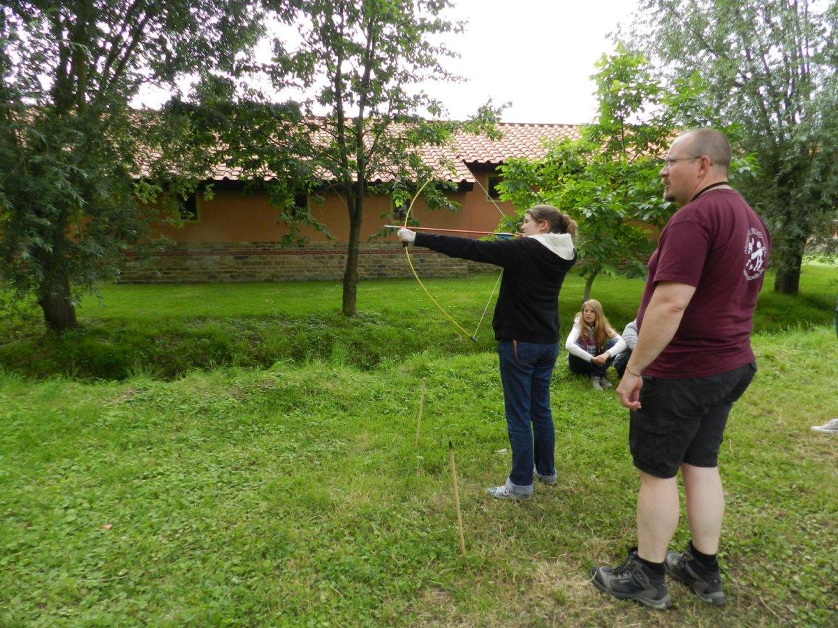 Atelier chasse préhistorique Arc et flèches