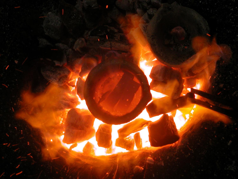 Démonstration artisanat bronzier coulée