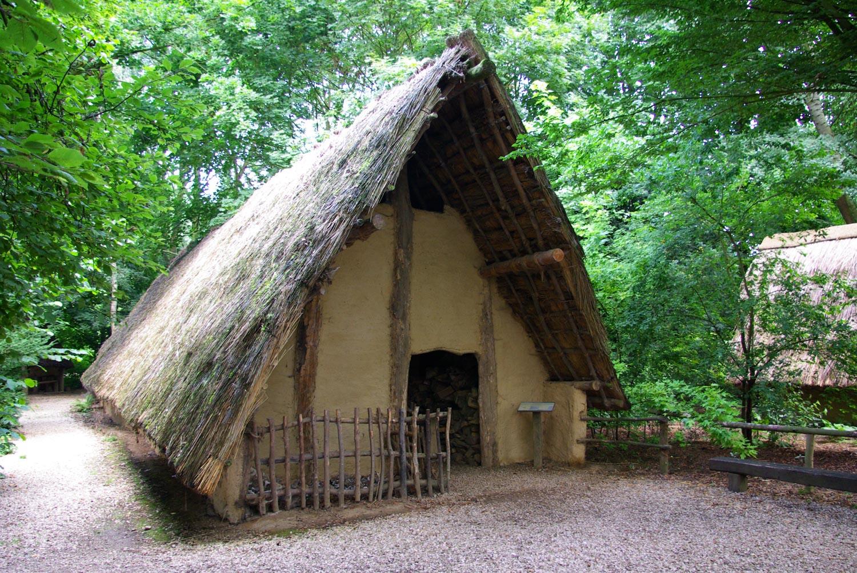 Extérieur maison Néolithique