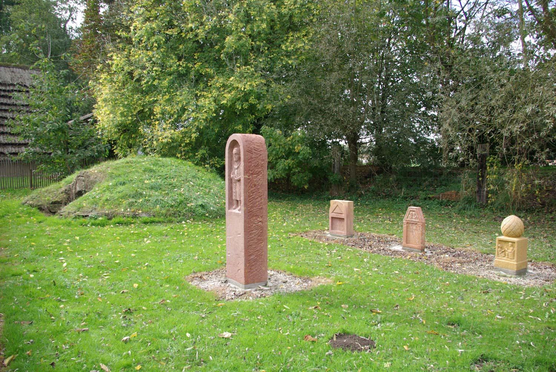 Cimetière, Nécropole gallo-romaine stèles et tumulus