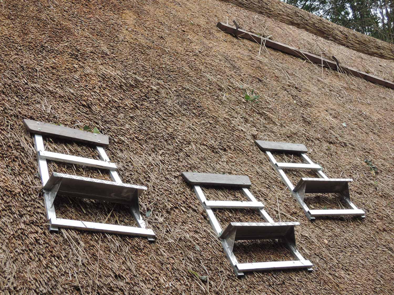 plan toit de chaume ferme de blicquy avec échelles