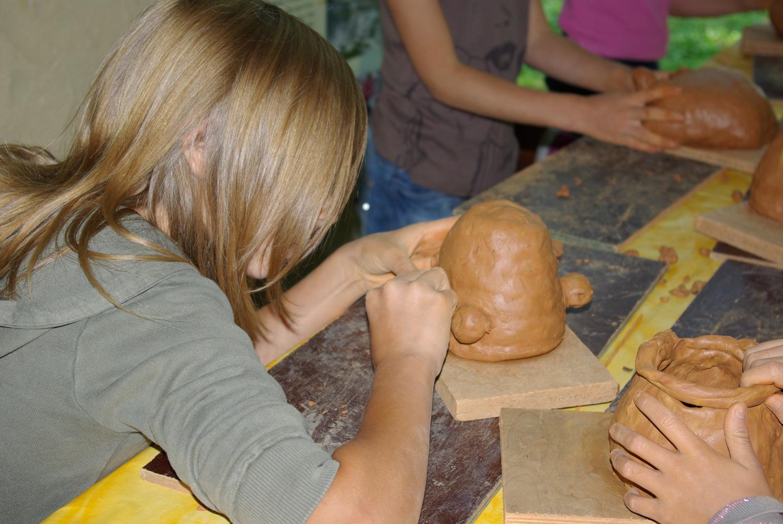 stage découverte atelier poterie au colombin archéosite Aubechies
