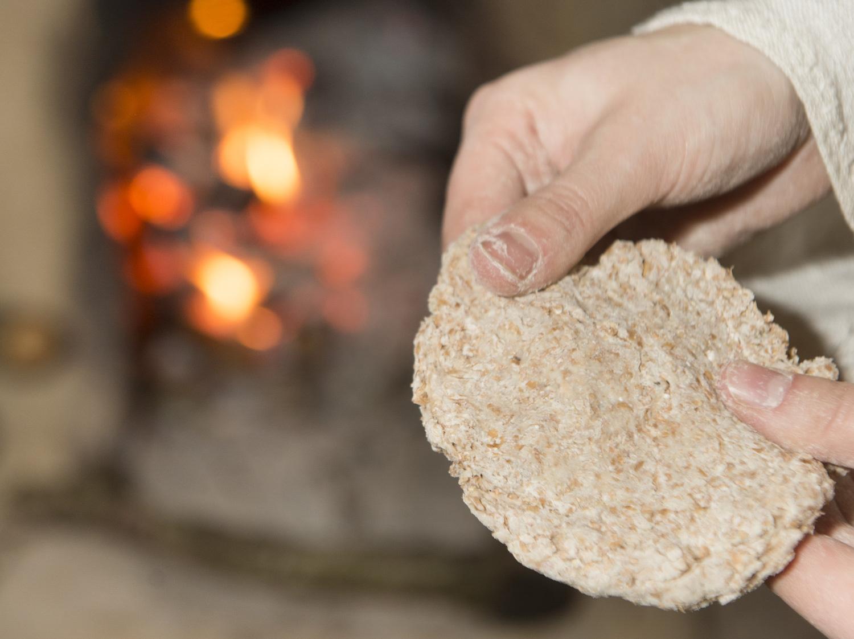 Artisan démonstration pain Néolithique