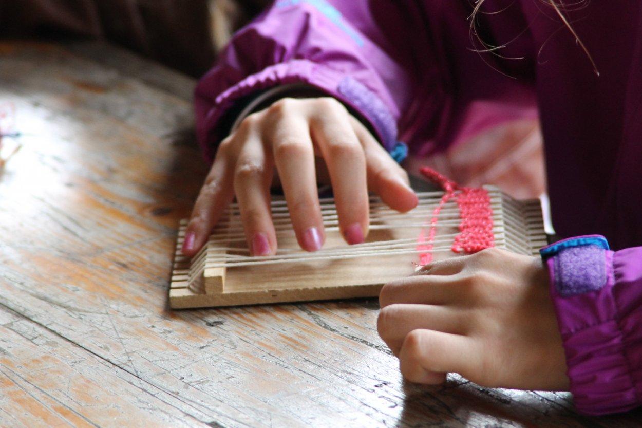 Atelier tissage enfant