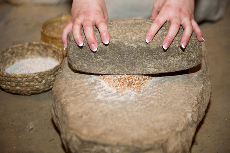 Pain ancien - Néolithique - Sans levure - Meule