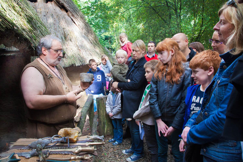 artisan bronzier Archéosite Aubechies explication creuset